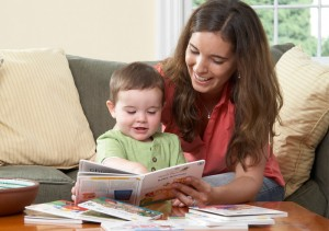 Mom_boy_reading_babyeinstein_books_700x493