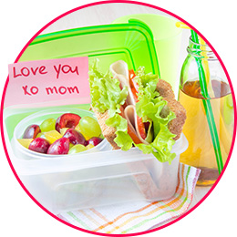 school lunch with note from mom