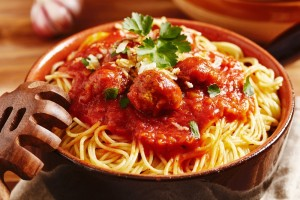 Spaghetti_and_meatballs_700x493