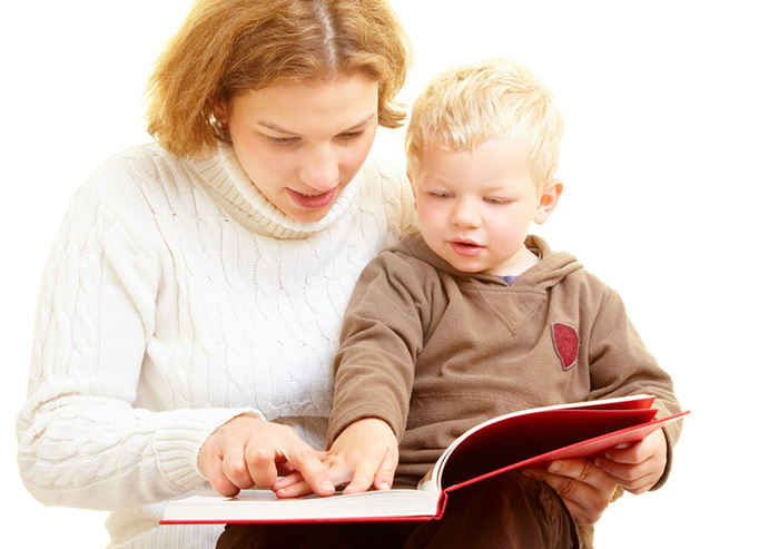 mom_reading_to_toddler_700x493