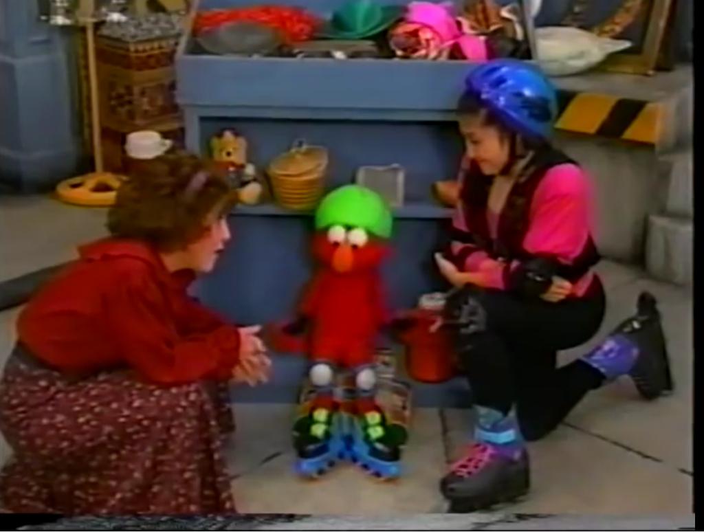 Elmo Tries Rollerblading