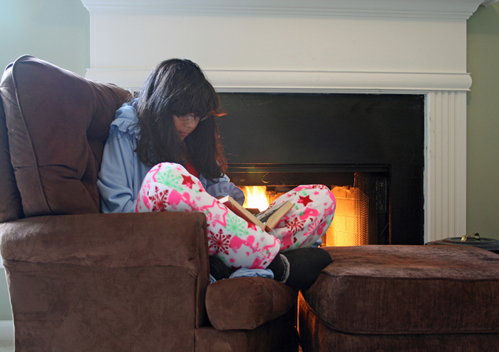 reading by the fire thanksgiving downtime